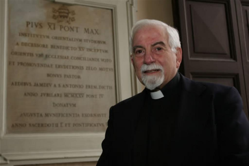 «Umano prima che spirituale», il viaggio storico di Francesco in Iraq